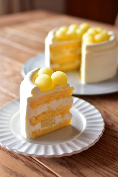 ジューシーなメロンたっぷりのショートケーキ♪