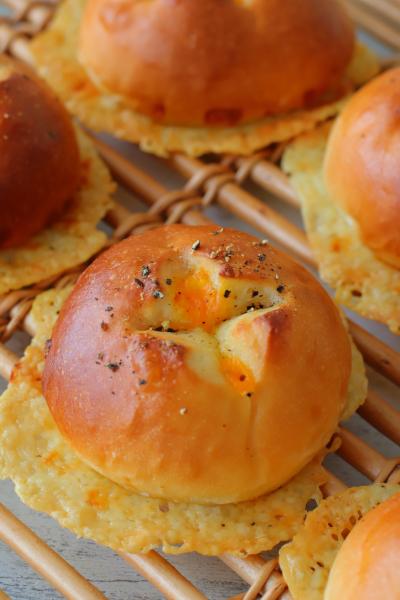 パリパリチーズせんべいパン