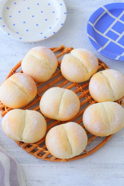 ふんわりしっとりな白パン♪