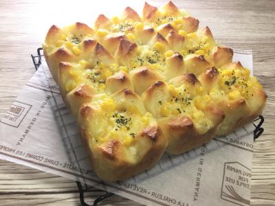 ポリ袋deマヨコーンちぎりパン♪