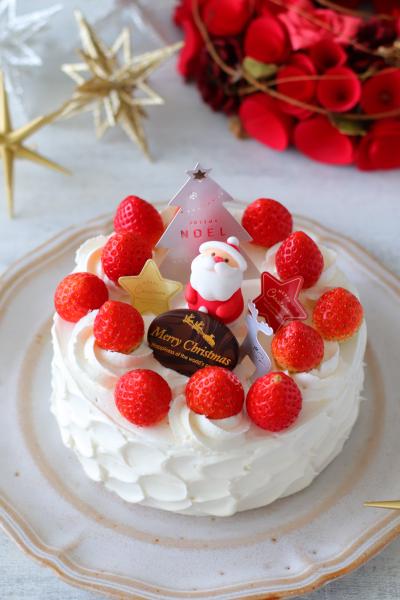 冷凍ホイップとスポンジでホワイトクリスマスケーキスプーンで簡単ナッペ