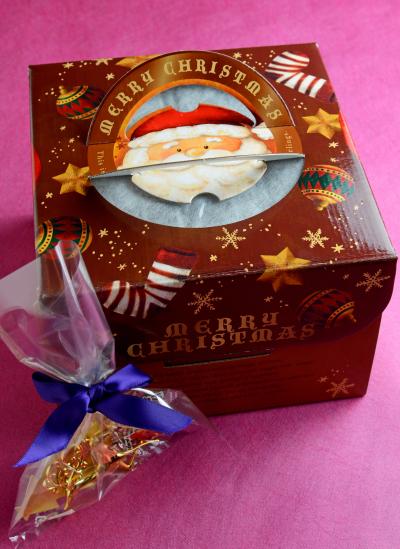 クリスマスケーキ(15cm)の箱詰め