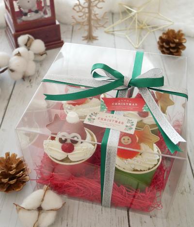 クリスマスカップケーキのラッピング