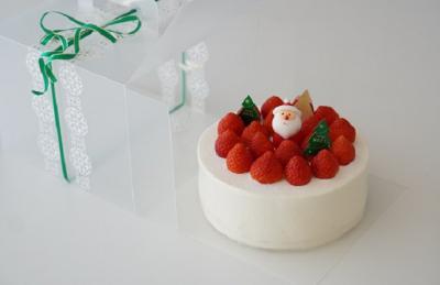 クリスマスケーキのラッピング