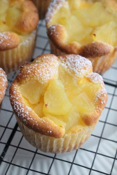 林檎とカスタードクリームのカップケーキ