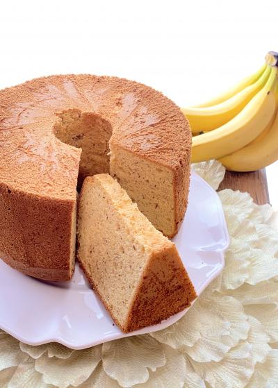 ふんわりしっとり♡バナナミルクシフォンケーキ