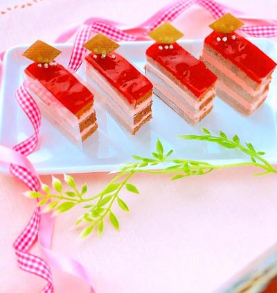 桜クリームのオペラ風ケーキ♡