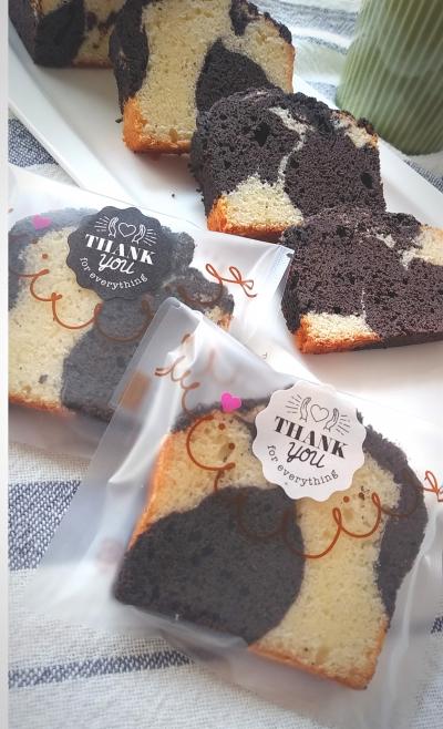ブラックココアで大人な味♪白と黒のマーブルパウンドケーキ