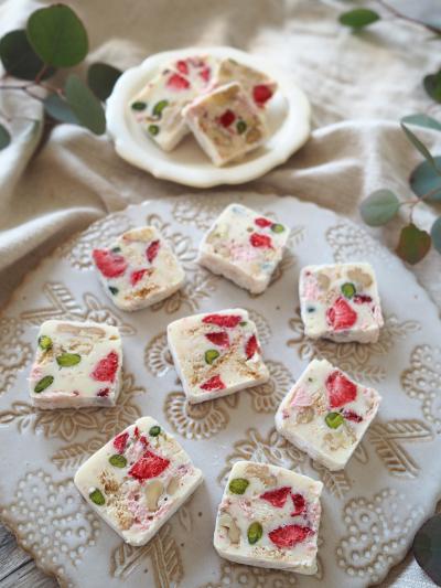 いちごのホワイトチョコサラミ
