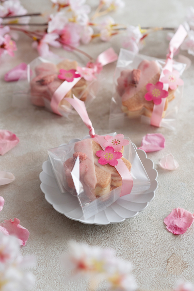 桜餡バターサンドのラッピング