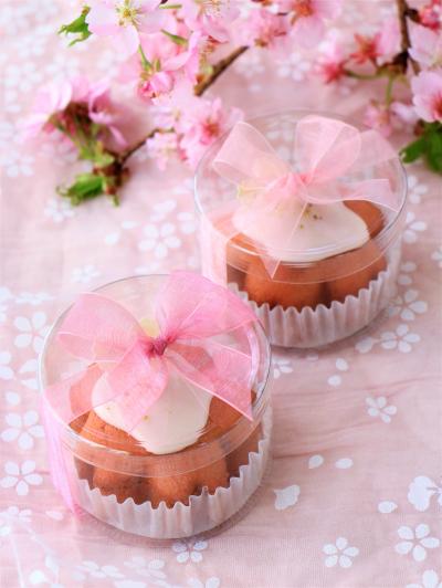円筒ケースを使った桜パウンドケーキのラッピング