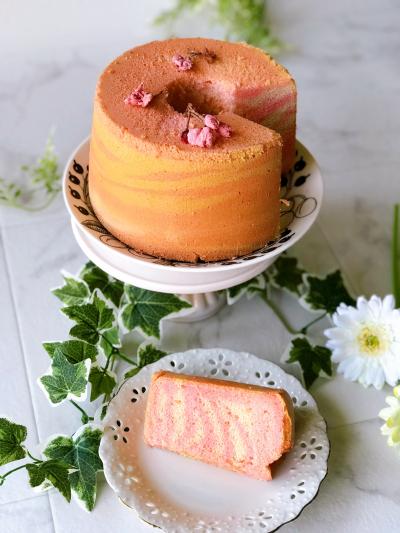 桜のゼブラシフォンケーキ