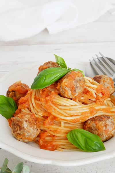 トマトクリームのミートボールスパゲッティ