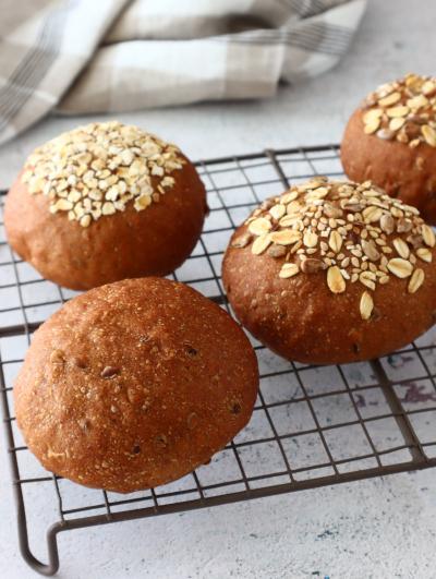 雑穀のやさしい甘み♪マルチシリアルの丸パン