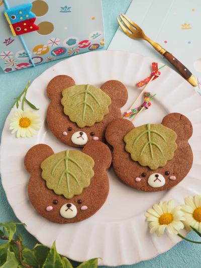 柏餅の葉をかぶったクマちゃんクッキー