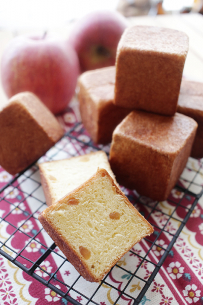 林檎のシナモンパン