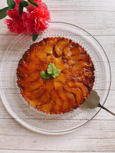 焦がしりんごのリッチタタンケーキ
