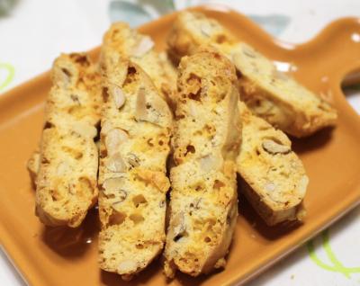 混ぜるだけ簡単!チェダーチーズとナッツのおつまみビスコッティ