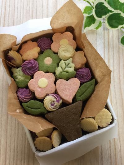 母の日のクッキー缶