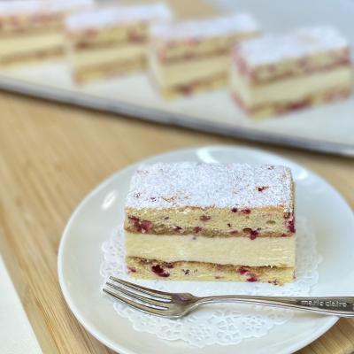 フランボワーズとふんわりバタームースのケーキ