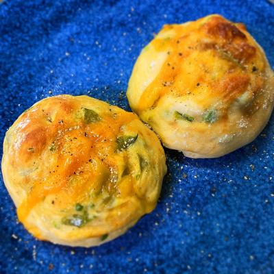 チーズとスナップ豆のパン