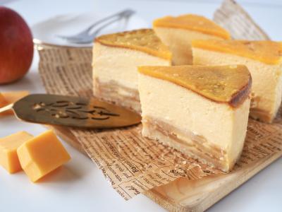 スモークチェダーチーズと焼きりんごのチーズケーキ