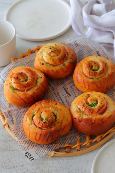 生食パンミックスで作るハムマヨロール