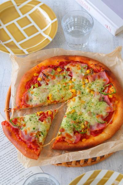 生食パンミックスで作るミックスピザ