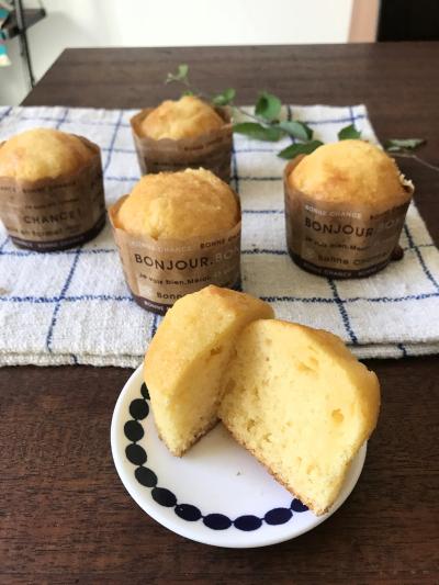 【焼くまで5分】材料4つ!バニラアイスでふわふわカップケーキ