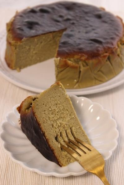 生クリーム不使用でも濃厚!ピスタチオのバスクチーズケーキ