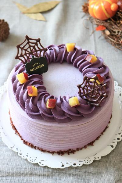 紫いもクリームのハロウィンデコレーションケーキ