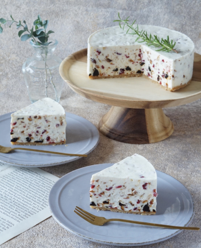 低糖質!キャラメルナッツとドライフルーツのレアチーズケーキ