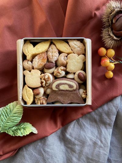 秋のクッキー缶