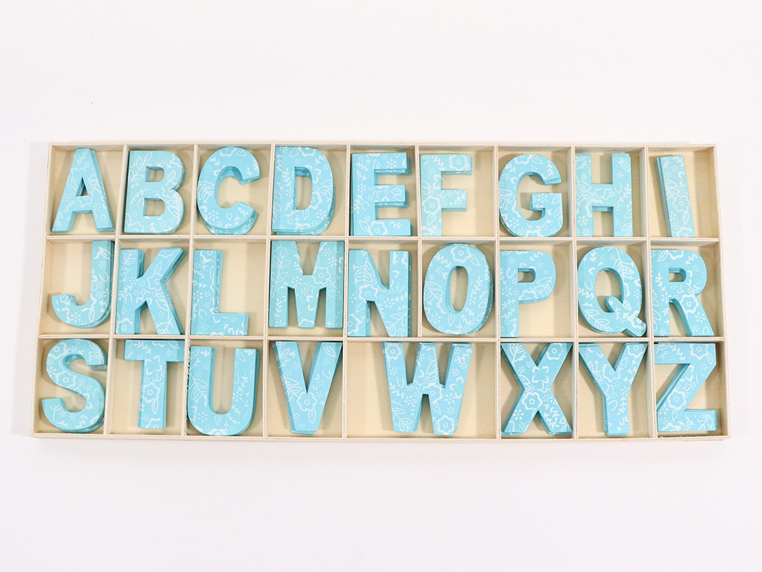 木製アルファベットブルー