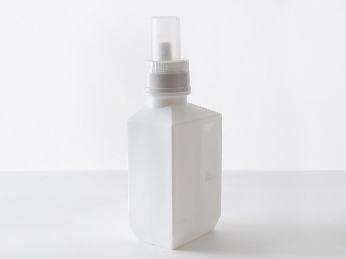 b2c ランドリーボトル M 700ml ホワイト