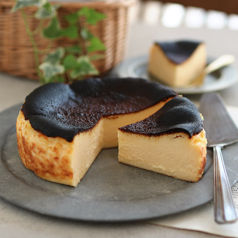 ケーキ バスク 作り方 チーズ